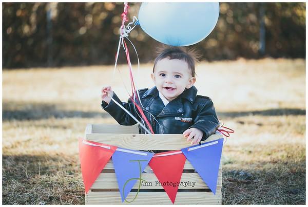PORTRAITS  |  Mikey 1st Birthday