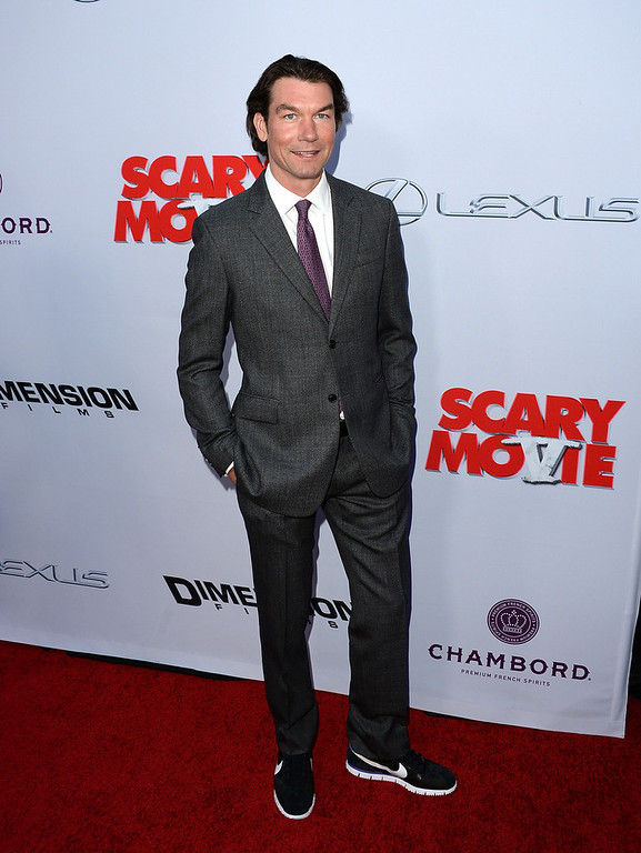 ". Actor Jerry O\'Connell arrives at the Dimension Films\' ""Scary Movie 5\"" premiere at the ArcLight Cinemas Cinerama Dome on April 11, 2013 in Hollywood, California.  (Photo by Jason Merritt/Getty Images)"