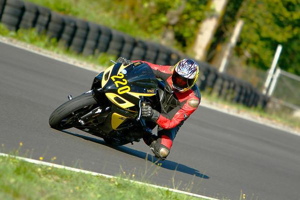 #220 - Yellow Black GSXR