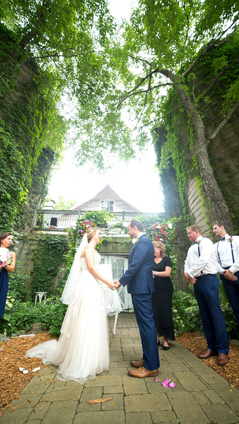 Garrett & Lisa Wedding (340).jpg
