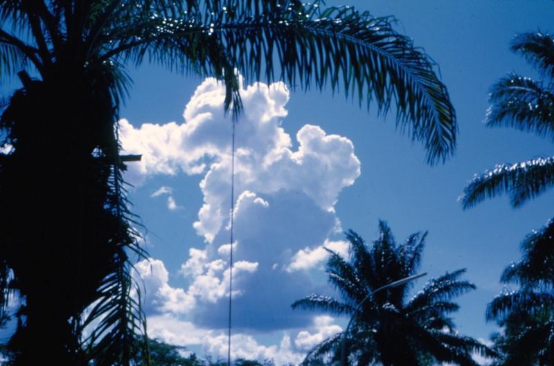 Nuvens, Dundo, 1971