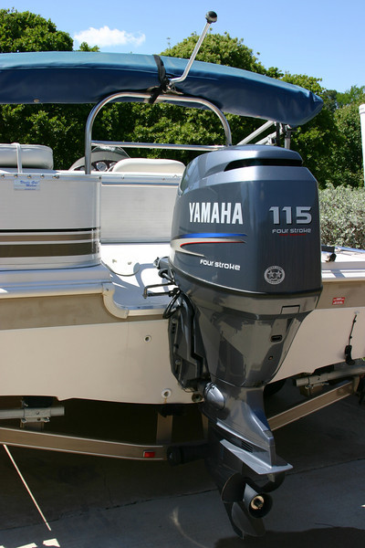 Hurricane Deck Boat 198R with Yamaha 115 4 cycle