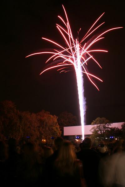 2007_1102putneyfireworks001_edited-1.JPG
