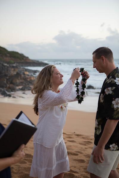 Kauai-sunrise-wedding-8.jpg