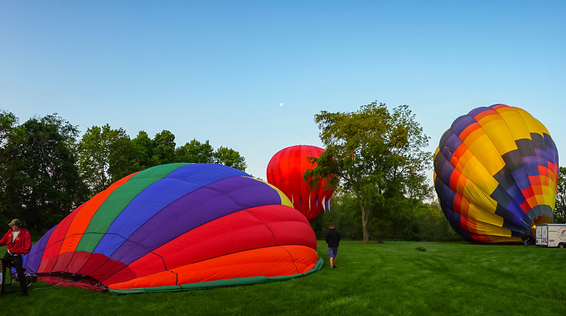 bucks balloon - three balloons inflating (p).jpg