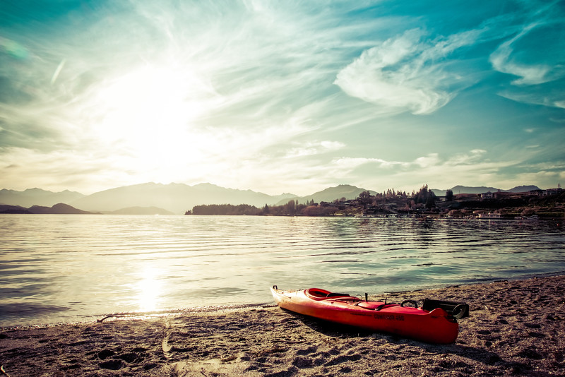 kayak-laka-wanaka-new-zealand.jpg