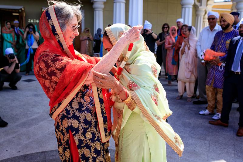 Neelam_and_Matt_Gurdwara_Wedding-1295.jpg