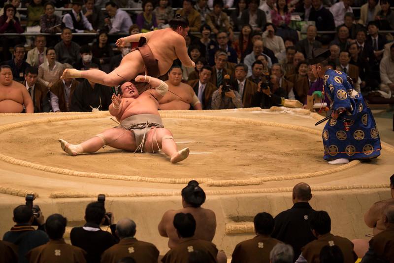 Osaka Sumo 220313 62 .jpg