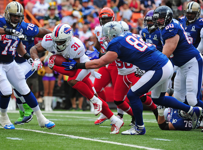 . Jairus Byrd #31 of the Buffalo Bills returns a fumble recovery against the National Football Conference team during the 2013 Pro Bowl at Aloha Stadium on January 27, 2013 in Honolulu, Hawaii  (Photo by Scott Cunningham/Getty Images)