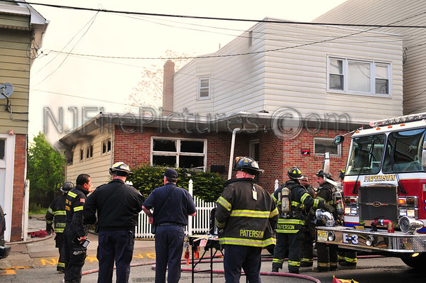 PATERSON, NJ *WORKING FIRE* 427 21ST AVE. 5/6/09
