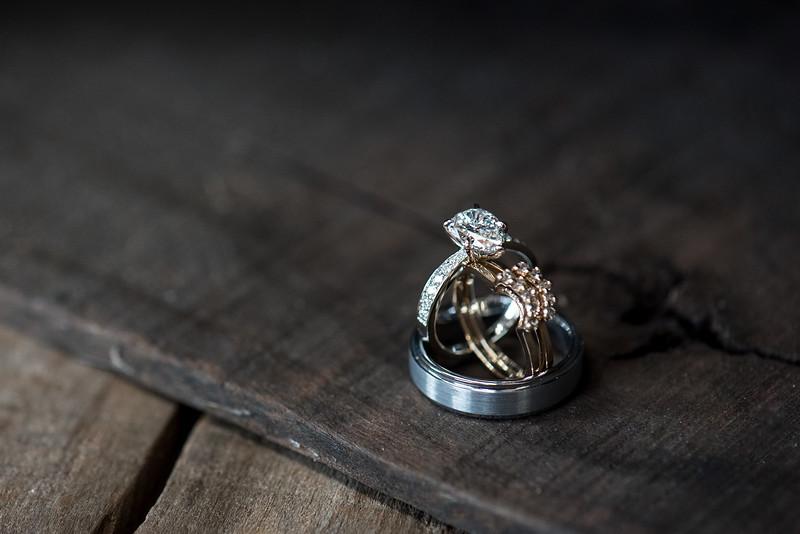 wedding-rings-rustic.jpg