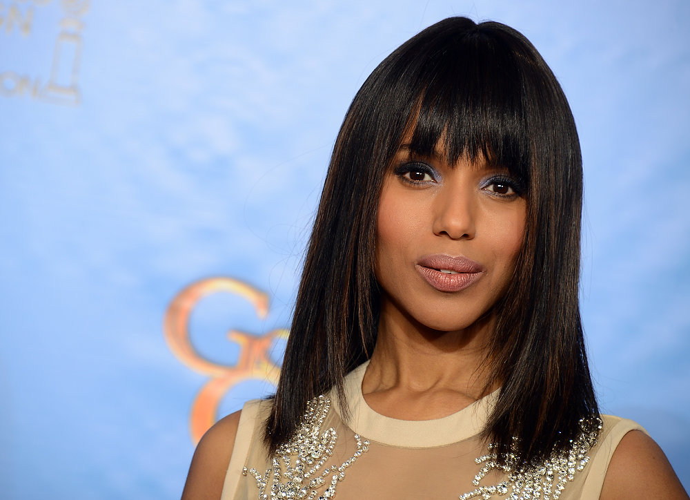 Description of . Presenter Kerry Washington poses backstage at the 70th Annual Golden Globe Awards at the Beverly Hilton Hotel on Sunday Jan. 13, 2013, in Beverly Hills, Calif. (Photo by Jordan Strauss/Invision/AP)