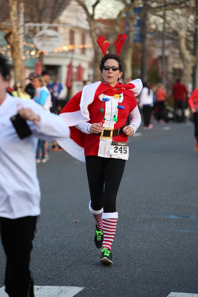 Toms River Police Jingle Bell Race 2015 - 01228.JPG
