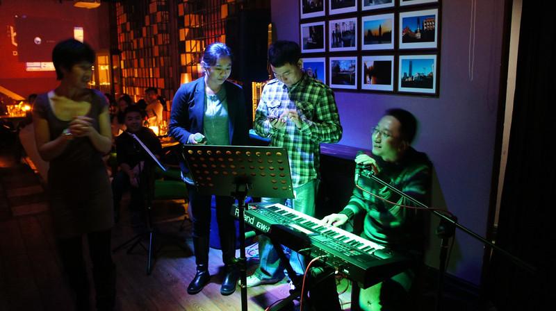 [20111204] MIBs Drinks @ BJ Mai Bar-Gongti A Hotel (9).JPG