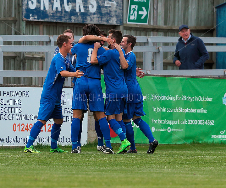 CHIPPENHAM TOWN V BIDEFORD TOWN MATCH PICTURES 11th August 2015