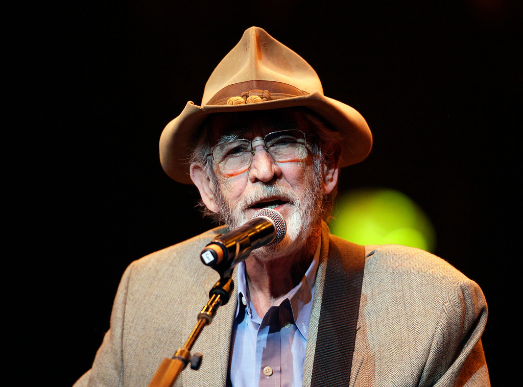 """. FILE - In this April 10, 2012 file photo, Don Williams performs during the All for the Hall concert in Nashville, Tenn. Williams, an award-winning country singer with love ballads like \""""I Believe in You,\"""" died Friday, Sept. 8, 2017, after a short illness. He was 78. (AP Photo/Mark Humphrey, File)"""