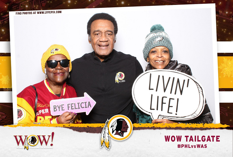 washington-redskins-philadelphia-eagles-wow-fedex-photo-booth-20181230-024957.jpg