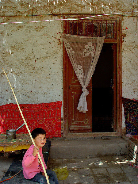 Child in village home near Kashgar DSC01976.jpg