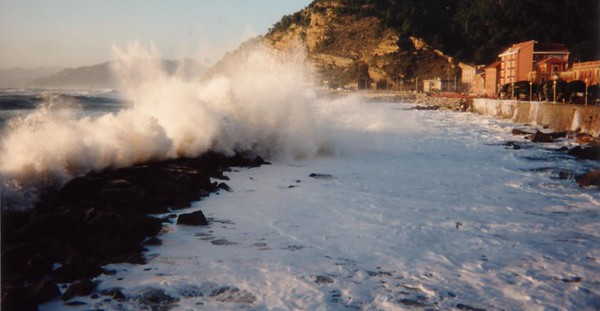 Sestri Levante - Seastorm and foam - Mareggiata e schiuma