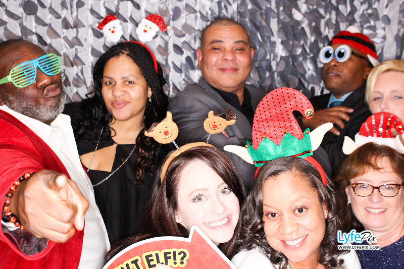 red-hawk-2017-holiday-party-beltsville-maryland-sheraton-photo-booth-0167.jpg