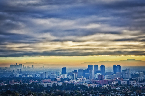 January 4 - Ominous clouds of January 2017 over Los Angeles.jpg
