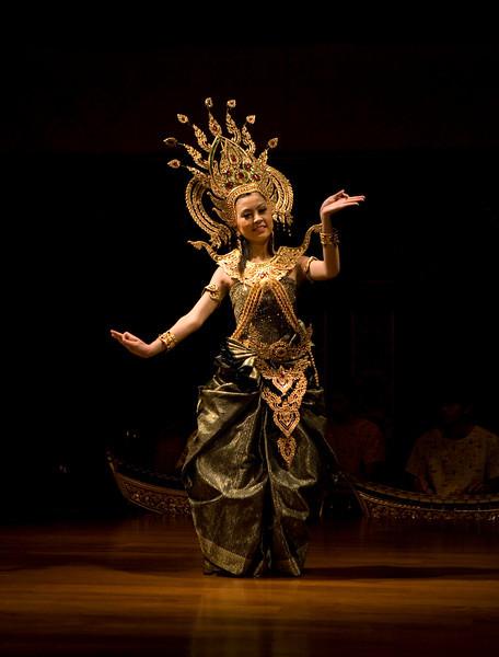 "Thai Dancer No1. 10"" X 14"""