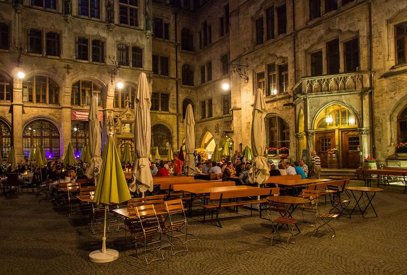 Restaurant inside the Rathaus, Munich