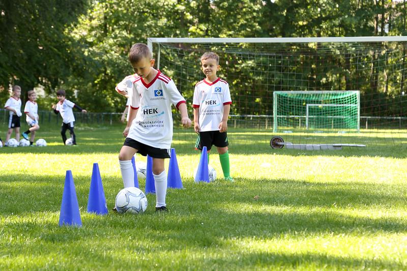 hsv_fussballschule-105_48047946731_o.jpg