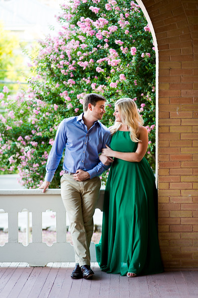 Engagement-Photo-Outfit-Ideas-020.jpg