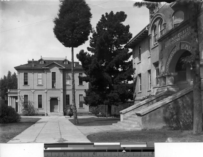 Widney Hall, USC, 1933