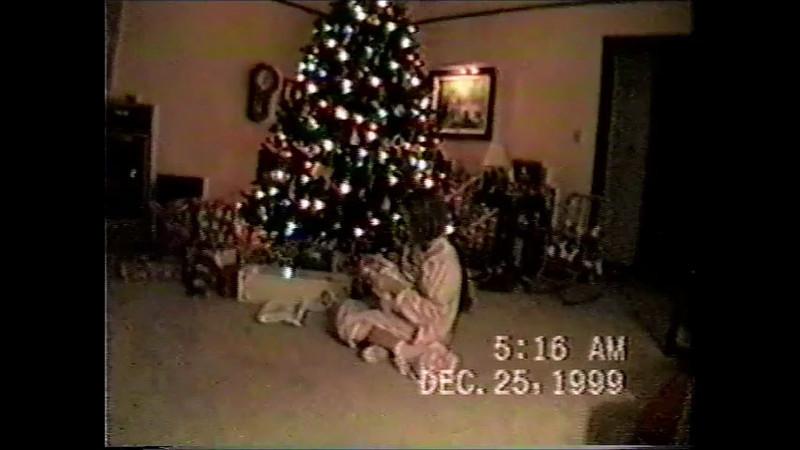 Sara Early Christmas Morning video.wmv