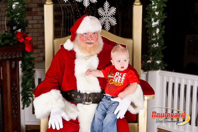 Santa Dec 8-336.jpg