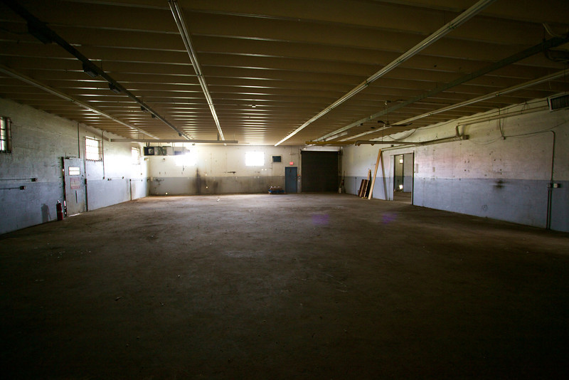 2571NW4thCt_Warehouse33.jpg