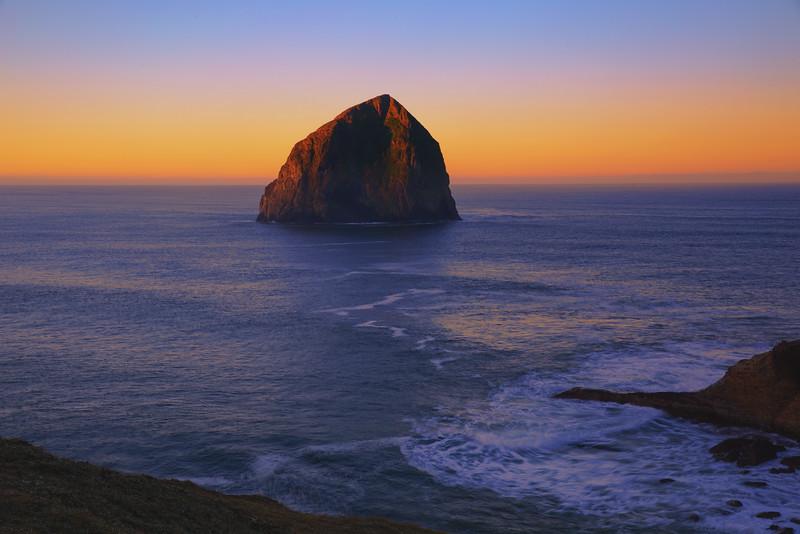 Cape kiwanda rock 1.jpg
