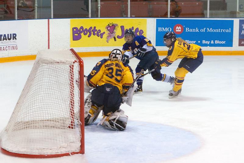 20130310 QWHockeyvsUBC 695.jpg