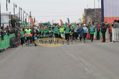 5K Start Wave 2 - 2015 St. Patrick's Parade Corktown Races