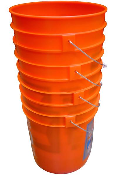 Buckets-2-100T1662.jpg