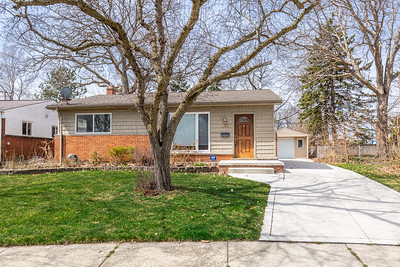 215 Hecht Dr Madison Heights, MI