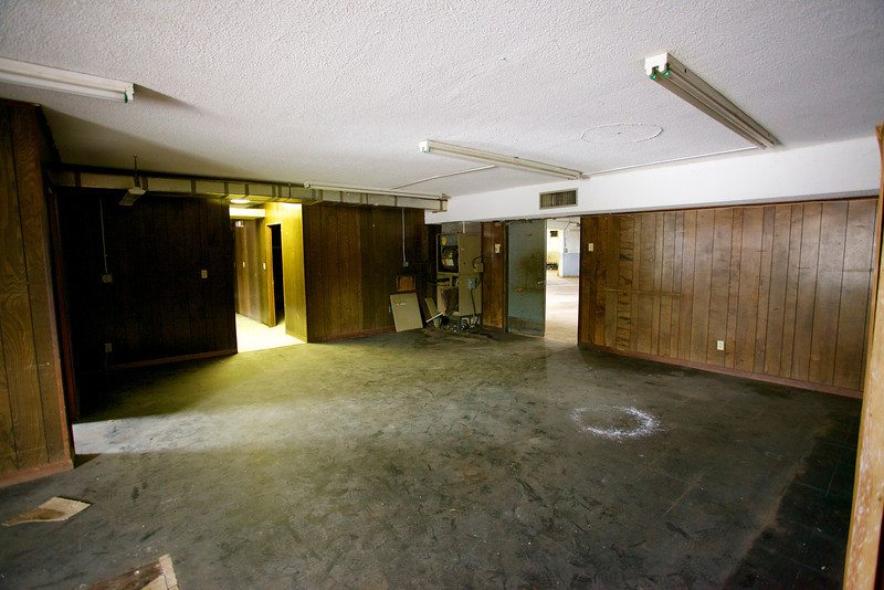 2571NW4thCt_Warehouse12.jpg