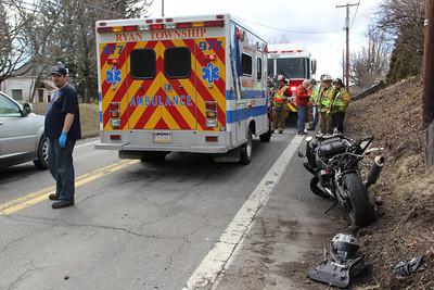 Motorcycle vs SUV, Barnesville Drive, SR54, Barnesville (3-26-2013)
