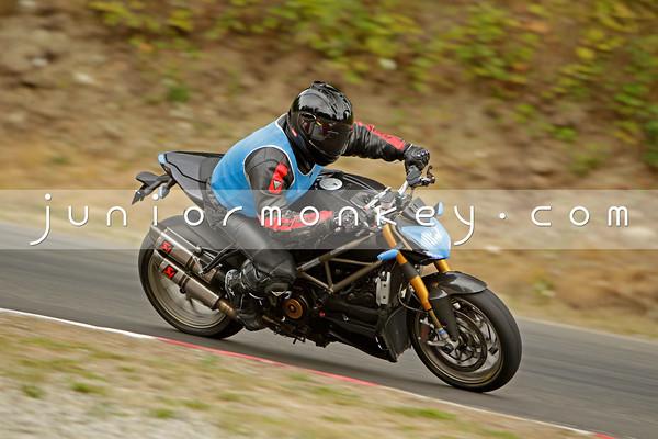 Ducati - Black Streetfigh