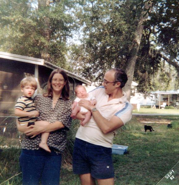 1982 Max, Elaine, AJ and Ken.jpeg