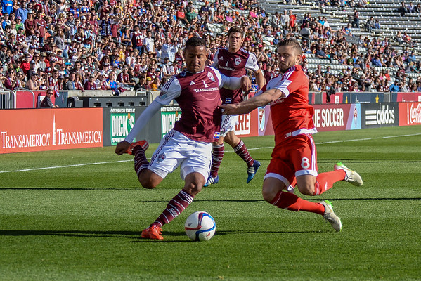 Colorado Rapids vs New England Revolution - MLS Soccer - 2015-04-04