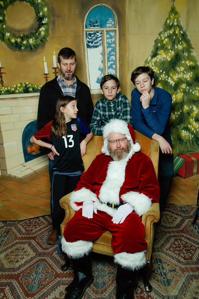 Pictures with Santa at Gezellig-196.jpg