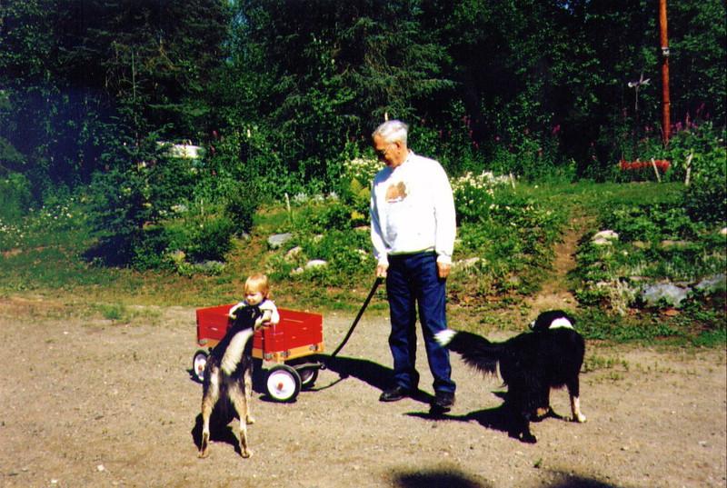 Lefty, Alina, Grandpa Wayne, Molly, 8-1994 .jpg