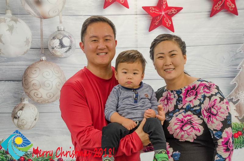 Christmas Photobooth 2018 Sunday-125.jpg