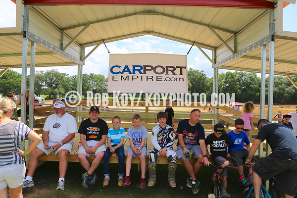 CARPORT EMIPE CUP PODIUM AWARDS