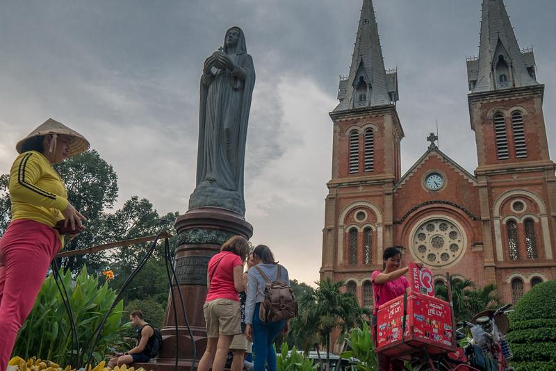 Notre Dame Cathedral (Vương cung thánh đường Chính tòa Đức Bà Sài Gòn)