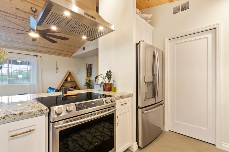 2945 Geneseo 17 Kitchen.jpg