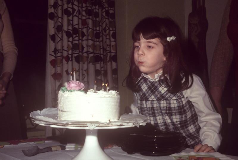 1975_01 Bonnie's 5th Birthday.jpg